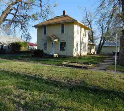 Dickinson County Single Family Home For Sale: 203 W 6th Street