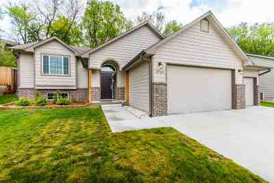 Manhattan Single Family Home For Sale: 4729 Plumthicket Drive