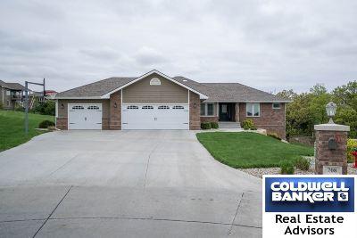 Manhattan Single Family Home For Sale: 708 Loma Ridge Circle