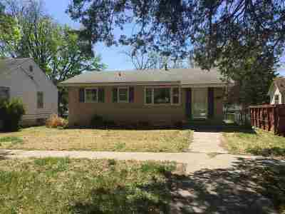 Single Family Home For Sale: 229 W 1st