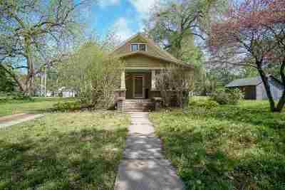 Manhattan Single Family Home For Sale: 1216 Colorado Street