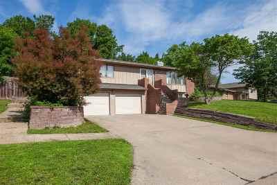 Manhattan Single Family Home For Sale: 709 Ridgewood Drive
