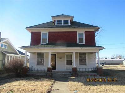 Herington Single Family Home For Sale: 501 S Broadway Street