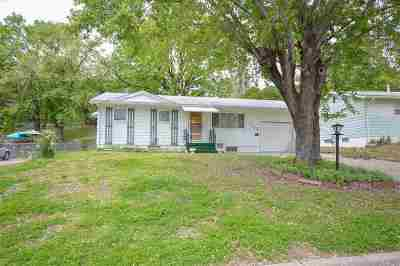 Junction City Single Family Home For Sale: 1426 Bel Air Drive
