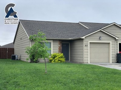 Riley County Single Family Home For Sale: 617 Grainfield Street