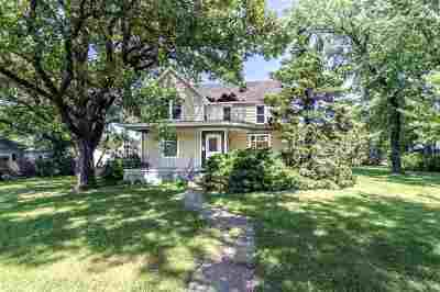 Clay Center Single Family Home For Sale: 517 Webster