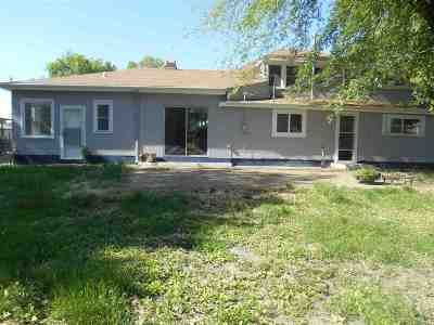 Dickinson County Single Family Home For Sale: 127 E 6th Street