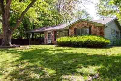 Wamego KS Single Family Home For Sale: $140,000