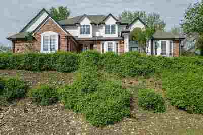 Single Family Home For Sale: 604 Country Club Terrace