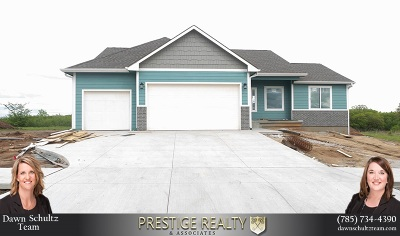 Wamego Single Family Home For Sale: 17308 Driftwood Bend