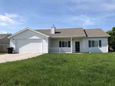 Riley County Single Family Home For Sale: 208 Northfield Road