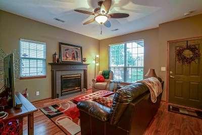 Manhattan KS Single Family Home For Sale: $187,000