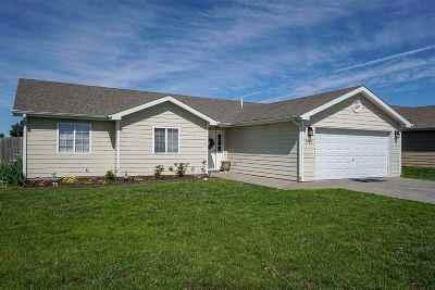 Manhattan KS Single Family Home For Sale: $160,000