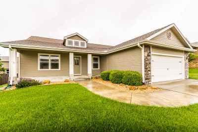 Manhattan KS Single Family Home For Sale: $275,000