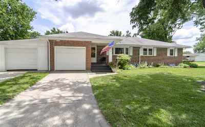Junction City Single Family Home For Sale: 1213 Crest Hill Drive
