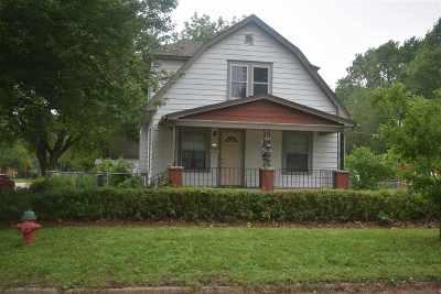 Single Family Home For Sale: 1003 NE Arter Avenue