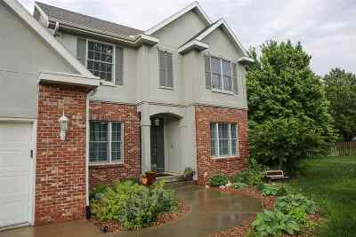 Riley County Single Family Home For Sale: 1001 Stratford Circle