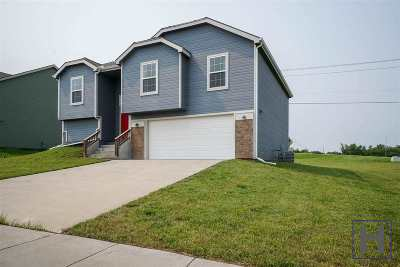 Junction City Single Family Home For Sale: 902 Bryce Drive