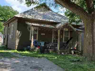Herington Single Family Home For Sale: 210 S 9