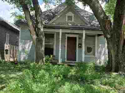 Herington Single Family Home For Sale: 212 S 9th