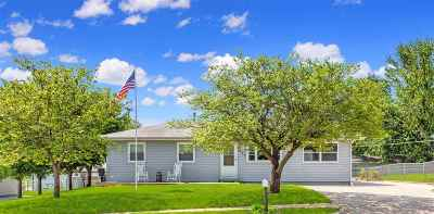 Junction City Single Family Home For Sale: 1021 W Ash