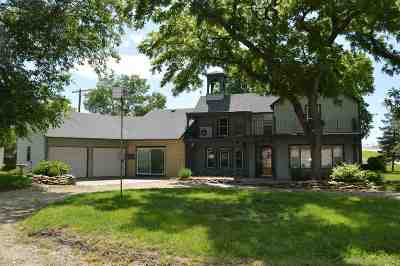 Dickinson County Single Family Home For Sale: 215 W Main Street