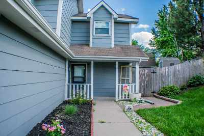 Junction City Single Family Home For Sale: 415 S Kiowa Court