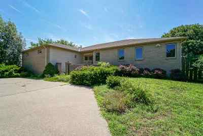Junction City Single Family Home For Sale: 315 Hawthorne Drive