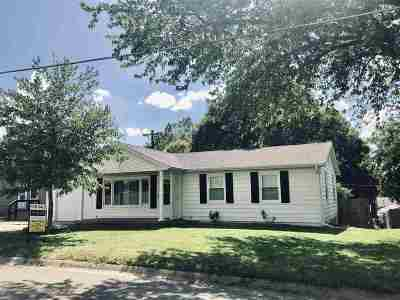 Clay Center Single Family Home For Sale: 1617 9th
