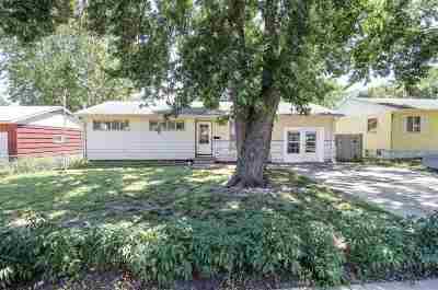 Junction City Single Family Home For Sale: 417 Maple Street