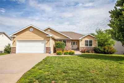 Manhattan KS Single Family Home For Sale: $299,000
