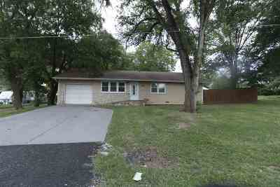 Junction City Single Family Home For Sale: 219 State Avenue