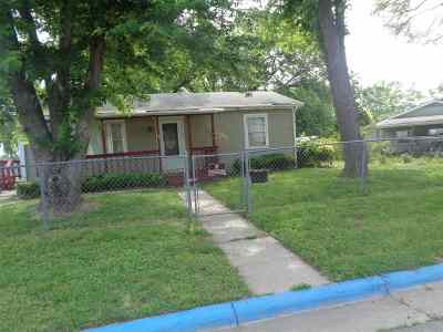 Single Family Home For Sale: 1212 Pershing Drive