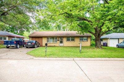 Manhattan Single Family Home For Sale: 1712 Ranser Road