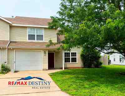 Manhattan Single Family Home For Sale: 704 Goodrich Drive