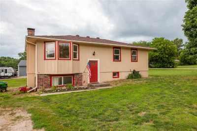 Wamego Single Family Home For Sale: 5335 Ashley Road