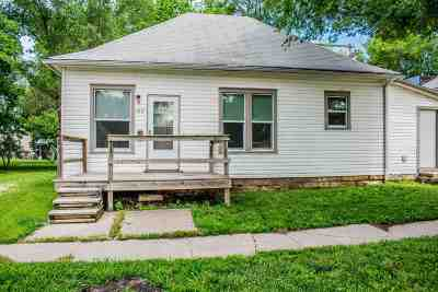 Junction City Single Family Home For Sale: 1017 N Jefferson Street