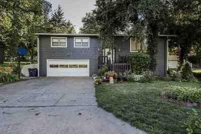 Manhattan Single Family Home For Sale: 1713 Denholm Drive