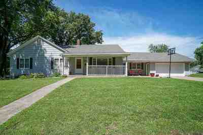 Clay Center Single Family Home For Sale: 903 10th