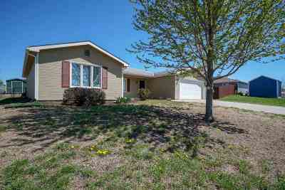 Riley County Single Family Home For Sale: 503 Bronco Way