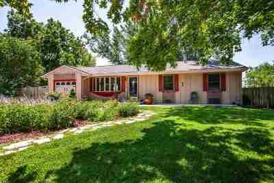 Manhattan Single Family Home For Sale: 3117 Ella Lane