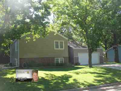 Wamego Single Family Home For Sale: 134 Riverview Dr