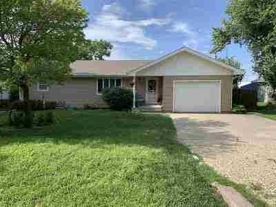 Riley County Single Family Home For Sale: 103 Douglas Street