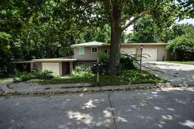 Riley County Multi Family Home For Sale: 330 N Delaware Avenue