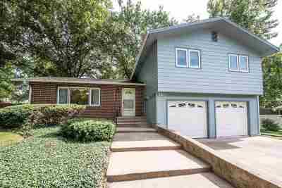 Manhattan Single Family Home For Sale: 2835 Illinois