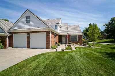 Manhattan Single Family Home For Sale: 1533 Williamsburg Drive