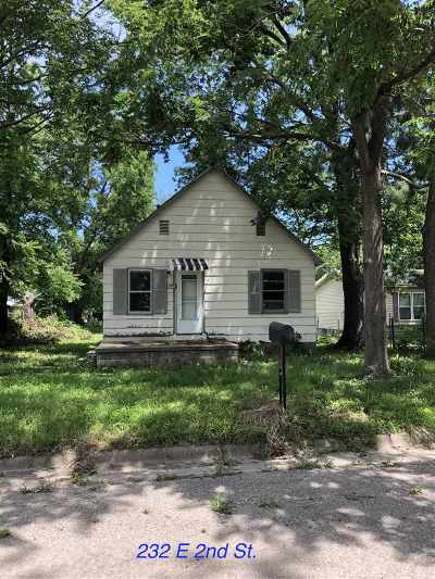 Junction City Single Family Home For Sale: 232 E 2nd Street
