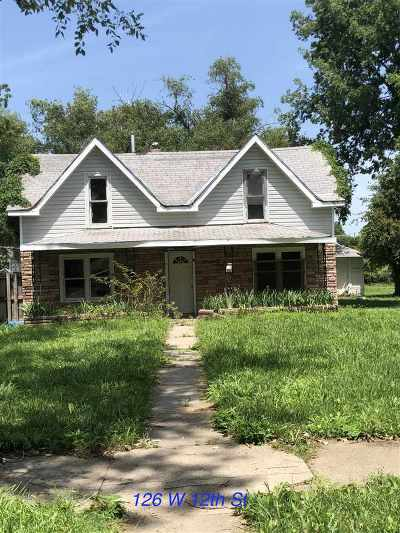 Junction City Single Family Home For Sale: 126 & 120 W 12th