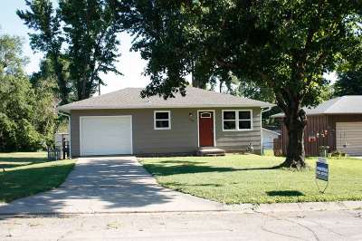 Clay Center Single Family Home For Sale: 1226 Clay