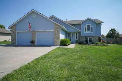 Manhattan Single Family Home For Sale: 4055 Bald Eagle Drive